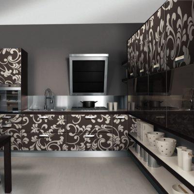 Фото 1 - темный цвет в ремонте кухни