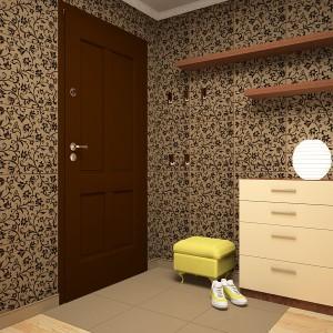 Отделка плиткой стен и придверной части пола прихожей