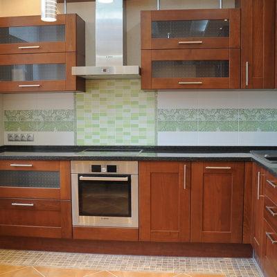 Фото 1 - использование углового гарнитура в меблировке кухни