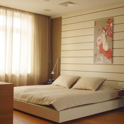 Фото 1 - смешение восточного стиля и хай-тек в интерьере спальни
