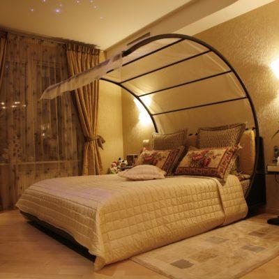 Фото 3 - оригинальный балдахин над кроватью