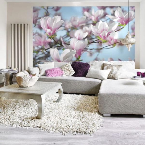 Фото 1 - цветочные фотообои в  гостиной подчеркивают эко стиль