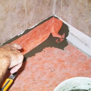 Гидроизоляция пола в ванной рулонным материалом