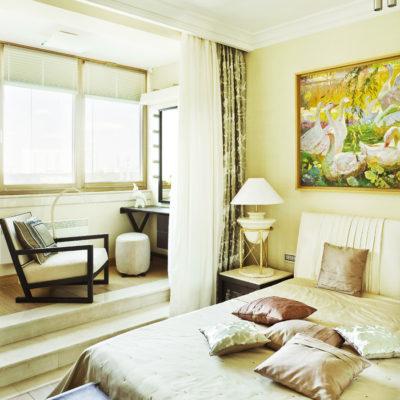 Фото 1 - объединение балкона со спальней в 2 комнатной квартире