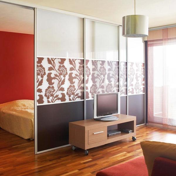 Фото 2 - раздвижные перегородки в интерьере малогабаритных квартир