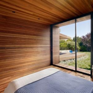 Обшивка потолка в доме деревом