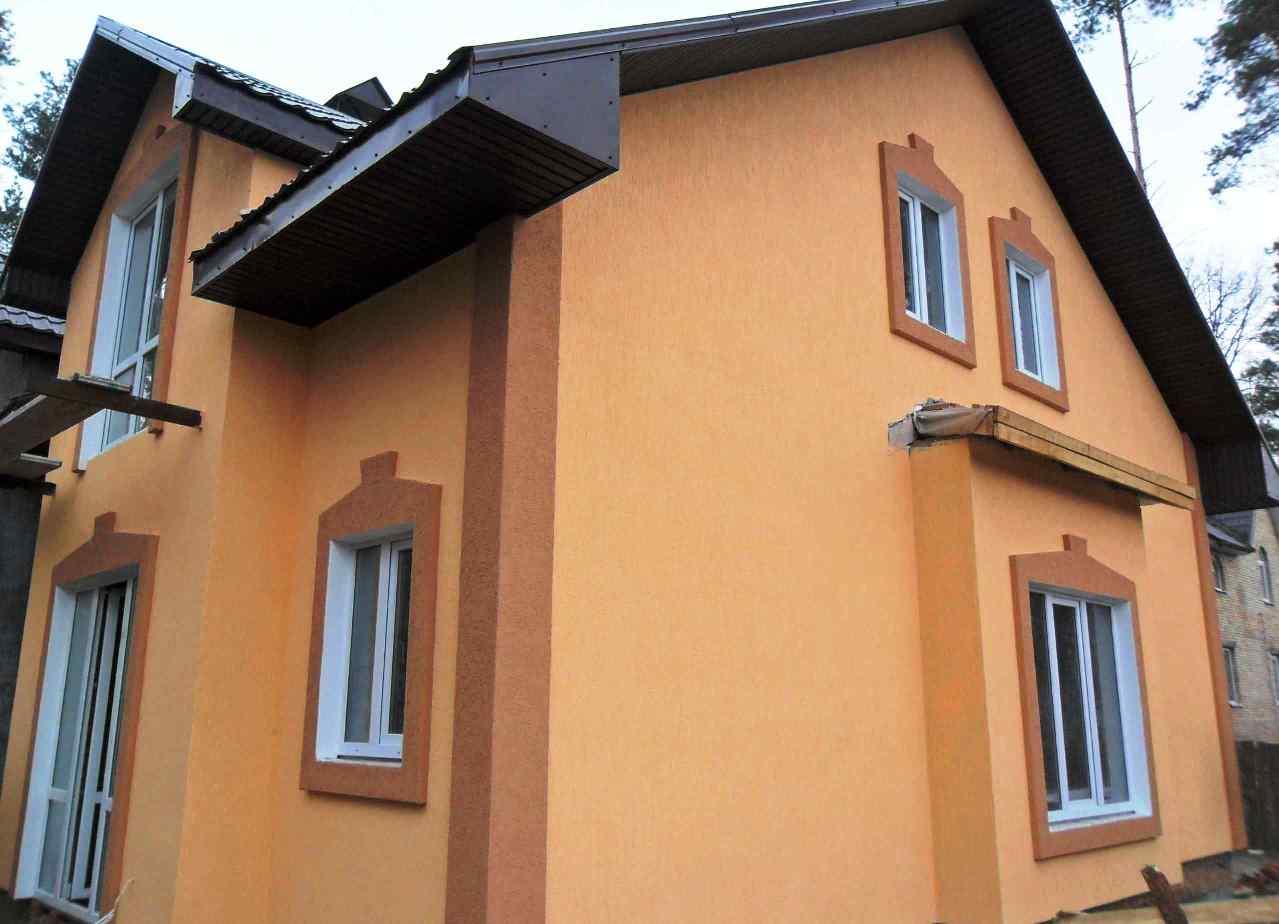 Фасады домов  короед цвета